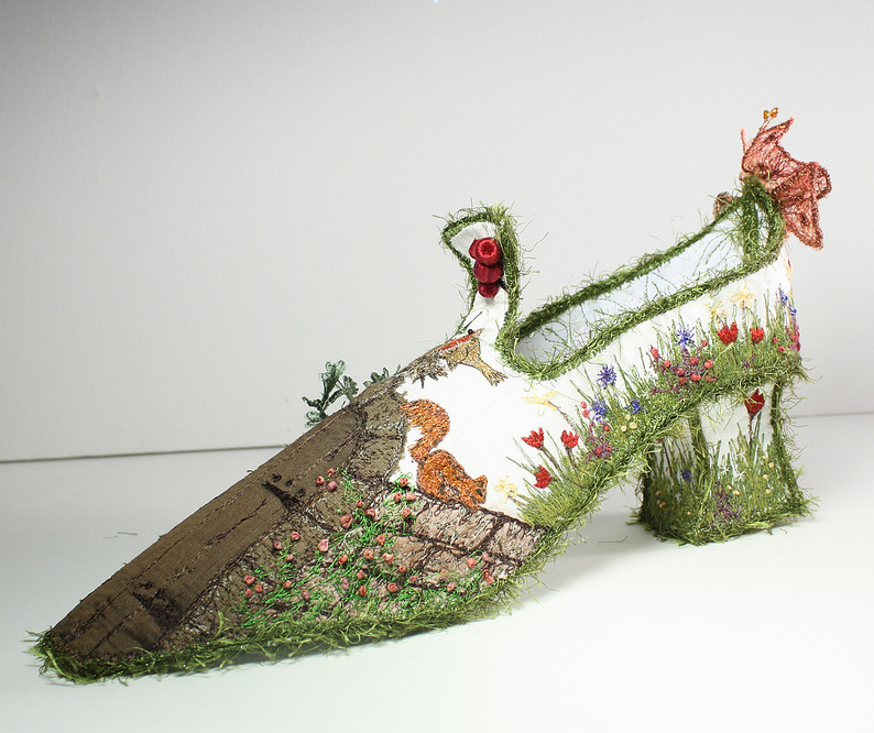 A Walk in the Secret Garden by Nell's Embroidery