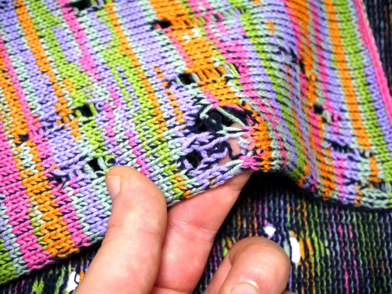 Glitch Knitting by Nukeme (Artist, Tokyo)