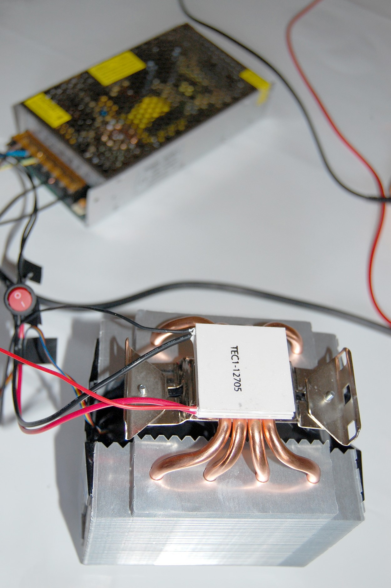 using a Heatsink to cool a Peltier Element