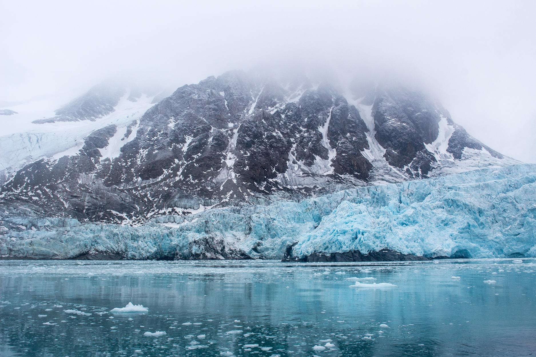 Svidjotbreen Glacier in Fuglefjorden, Svalbard